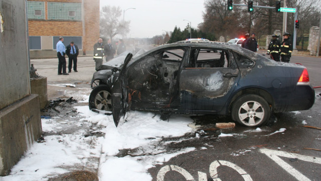 Off-duty St. Louis Firefighters Rescue People From Burning Car