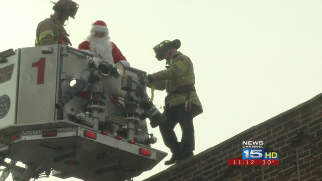 Ind. Firefighters Rescue Santa