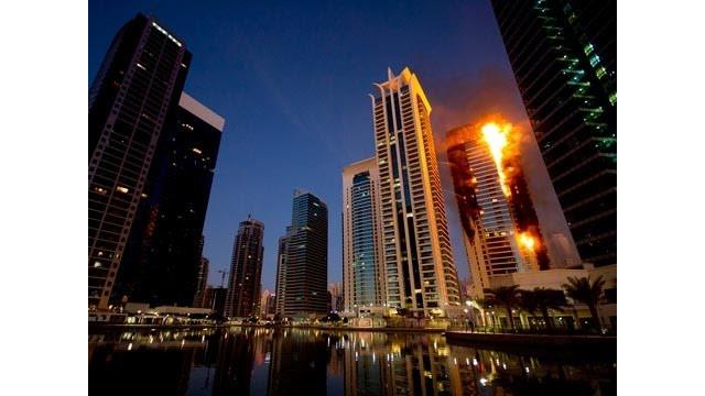 Video: Blaze at Dubai Skyscraper