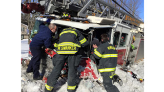 Ohio Firefighters Hurt in Ladder Truck Crash