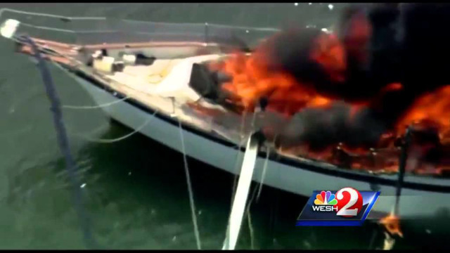 Raw: Boat Strikes Power Lines in Fla. River