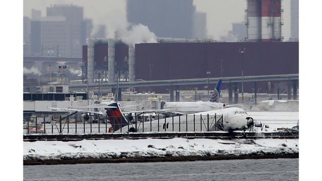 Plane Skids off Runway at LaGuardia