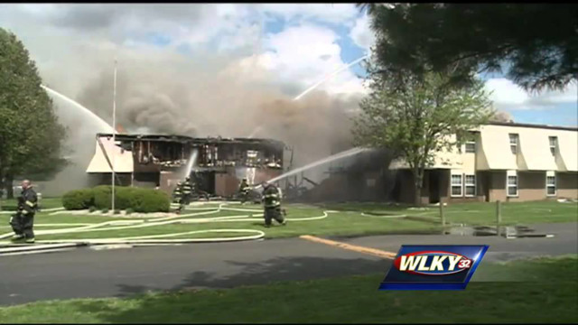 Fire that destroyed 48 Jeffersonville apartments under investigation