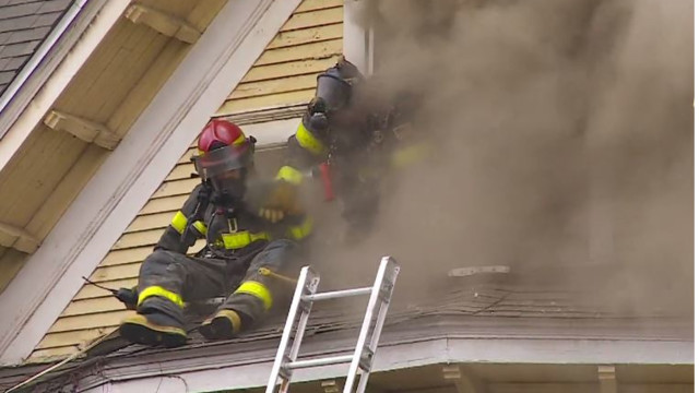 Fire Video Minneapolis Firefighter Bail Out Window
