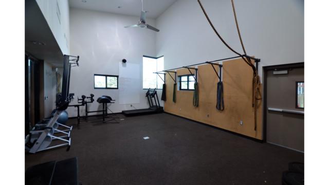 Interior Workout Rm DSC 3270 56a7e11e321a0