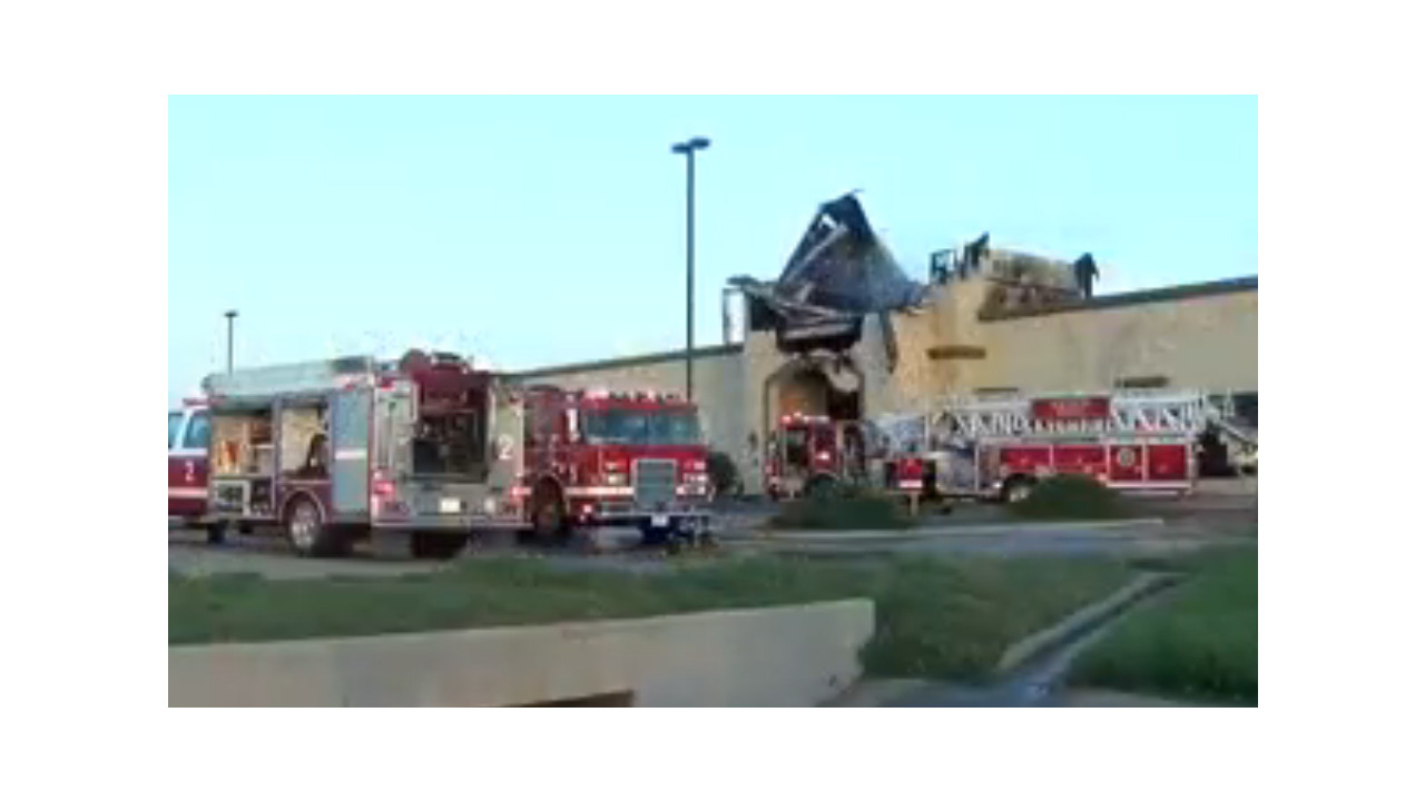 Firefighters Hurt in Witcha Falls, Texas, Furniture Store Fire