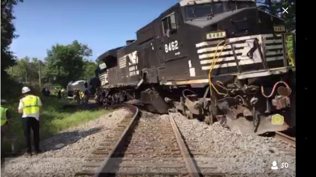 Train Hits Semi; Derails in TN | Firehouse