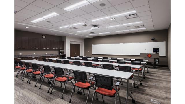 Creating Multi Functional Space Flexable Training Room 580f6e3aa5325