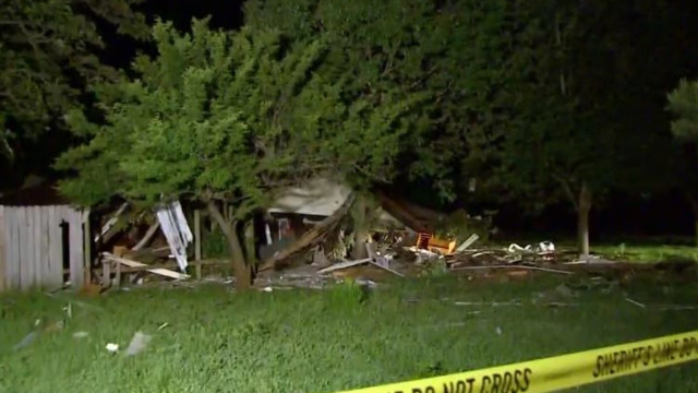 5 injured in explosion at Texas house, cause investigated