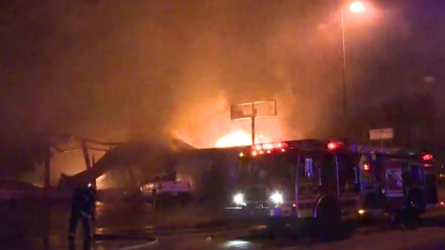 East St. Louis tire business a 'total loss' following fire