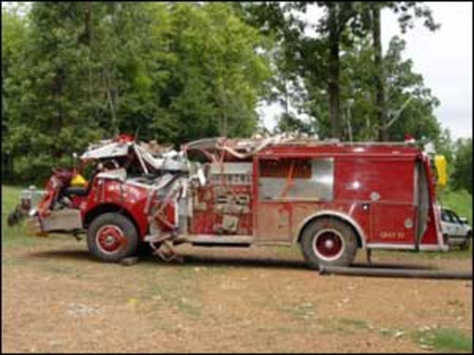 Kentucky Fire Truck Accident Leaves One Firefighter Dead
