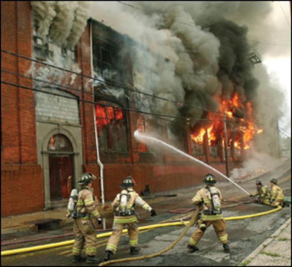 5-Alarmer Rips Pennsylvania Warehouse