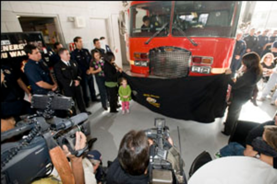 LA County Engine 9 Honors Firefighter Killed in 1991