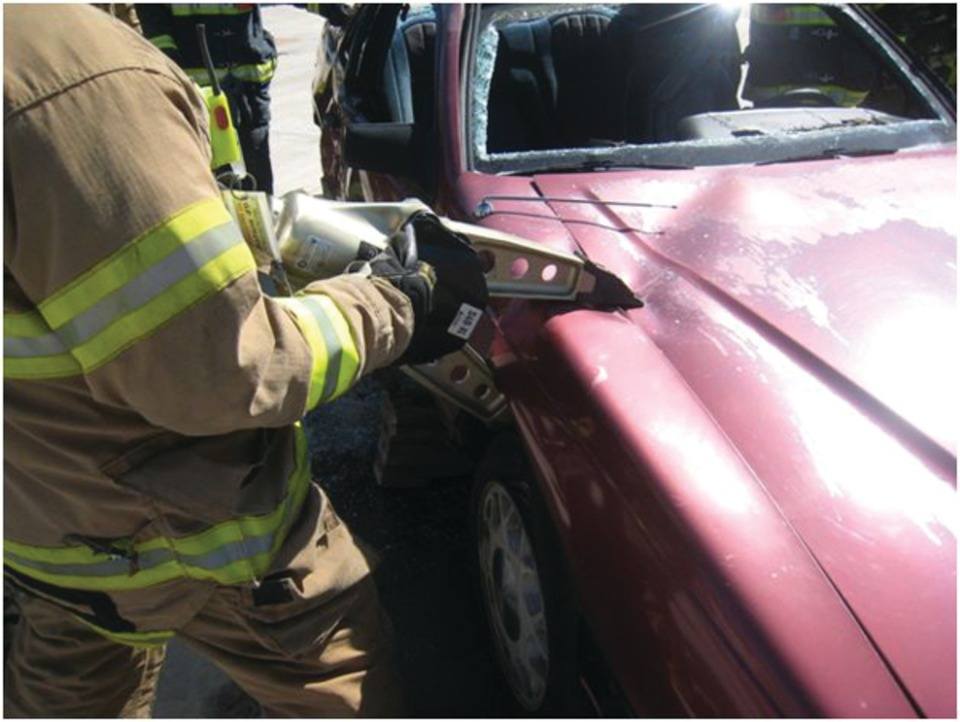 In this application the fender is crushed creating a point to access the hinge side of the door with hydraulic spreaders. SHOW CAPTION HIDE CAPTION & Extrication Basics: Vehicle Entry for Victim Removal