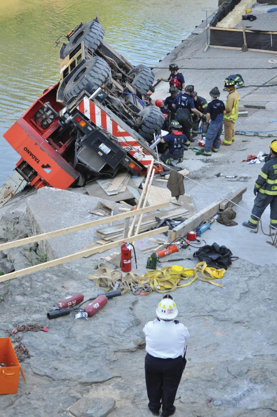W Crane Guy Firefighters Re...