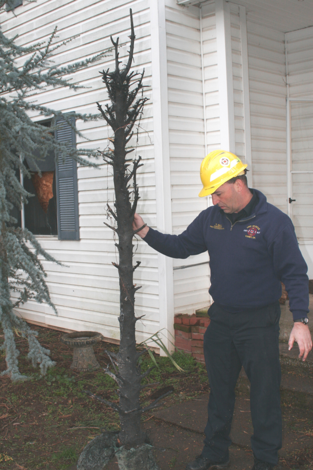 Canby House Fire Ignited By Lights On Christmas Tree