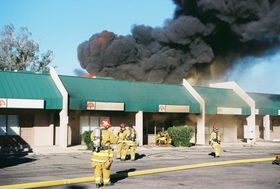 Firefighters Contain Tucson Strip Mall Fire