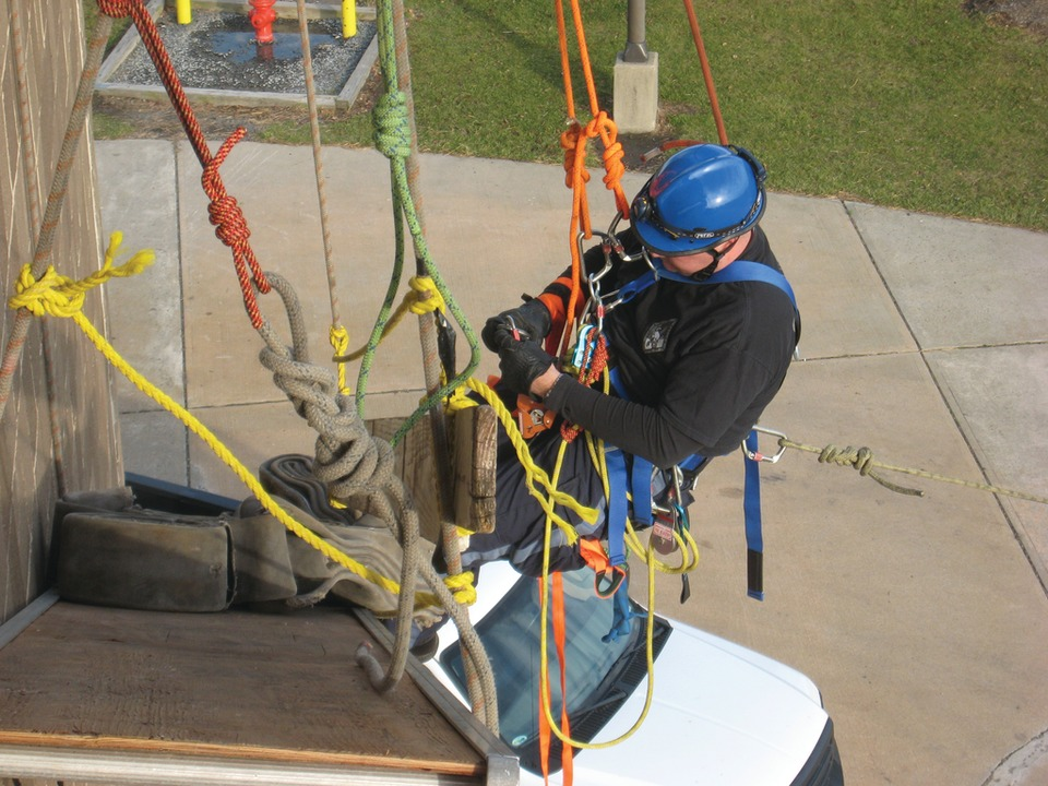 Technical Rescues with Ropes