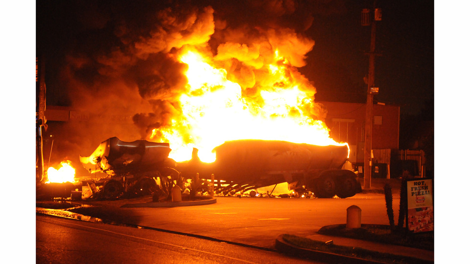 Gas Tanker Crashes, Burns in New Orleans