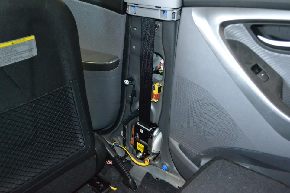seat belt pretensioner