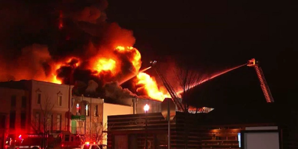 TX Firefighters Tackle Difficult Four-Alarm Commercial Fire