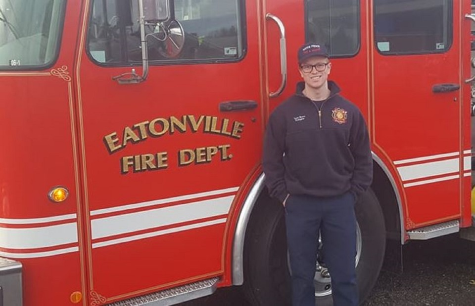 Pierce County Wa Firefighter Proposes Battles Blaze With Fiance