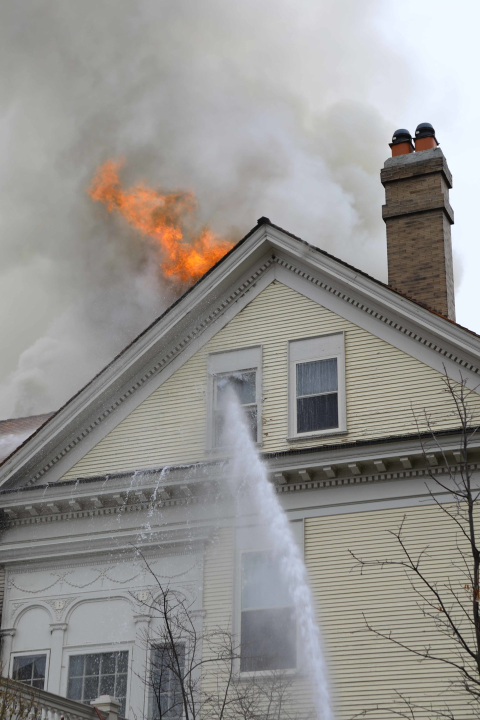 Firefighters Called To Hinsdale Il Mansion Fire Fire