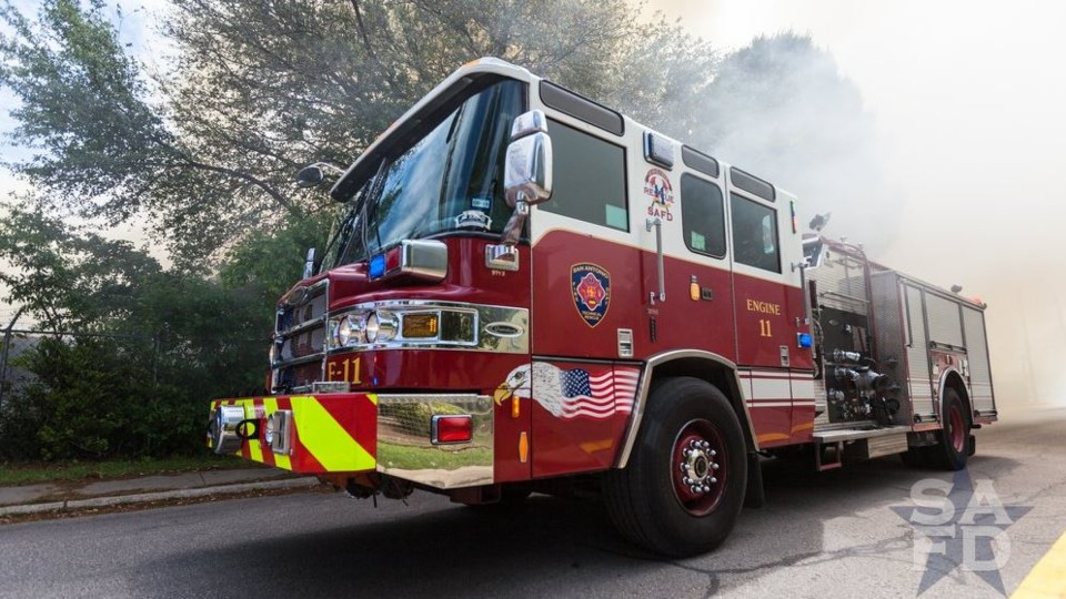 San Antonio Tx Firefighter Suspended For Fire Truck Joyride