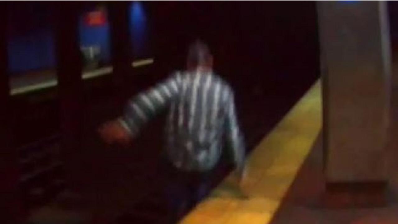 Philadelphia Firefighters Police Thwart Septa Train Tunnel Suicide