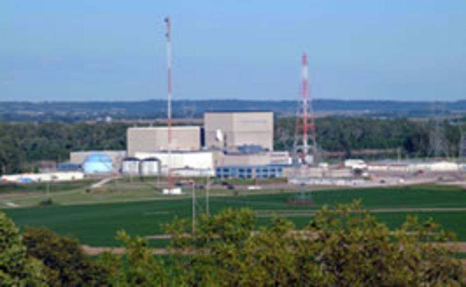 fire hits ne nuclear power plant