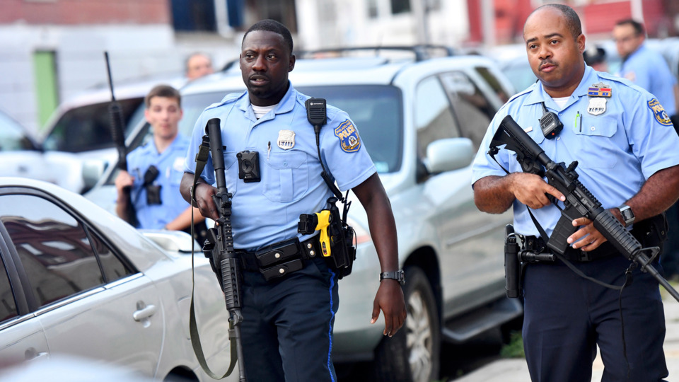 Six Philadelphia Cops Wounded in Standoff with Gunman