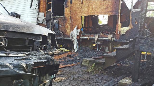 Wondrous One Killed In Blaze That Guts Jacksonville Fl Mobile Home Download Free Architecture Designs Scobabritishbridgeorg