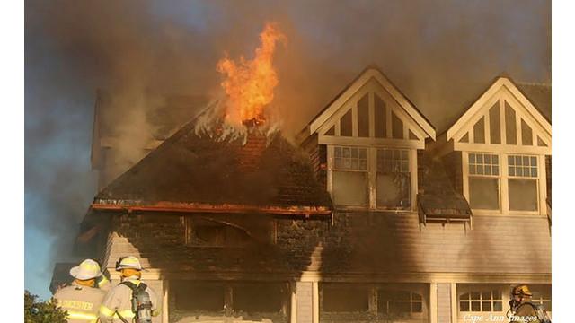 Flames.jpg_10563260.jpg