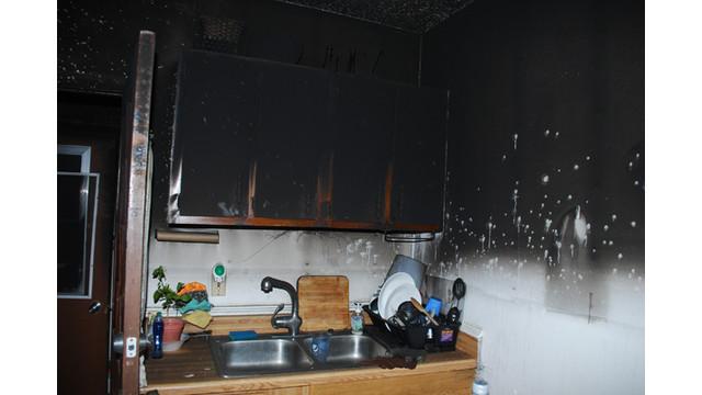 Kitchen2.jpg_10560691.jpg