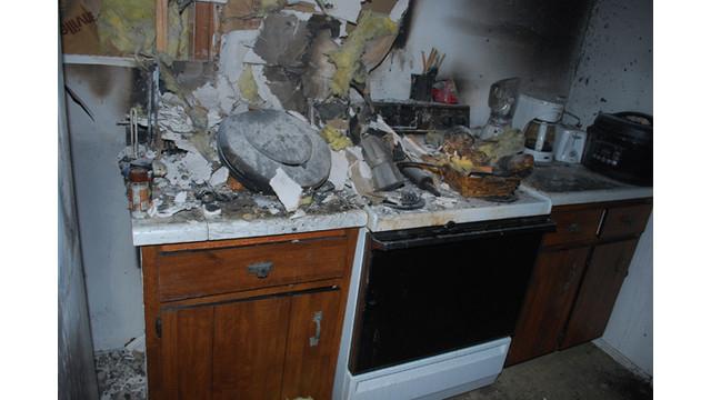 Kitchen3.jpg_10560693.jpg