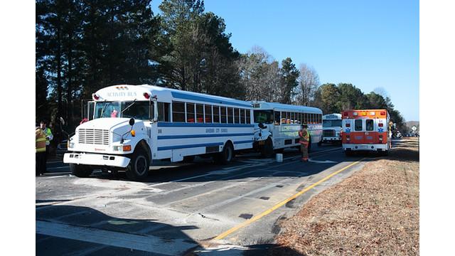 bus2.jpg_10557574.jpg