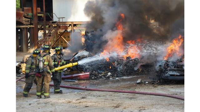 scrapyard-fire-022_10549151.jpg