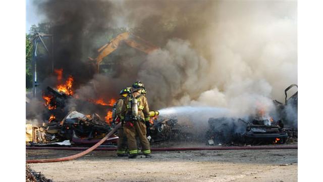 scrapyard-fire-027_10549148.jpg