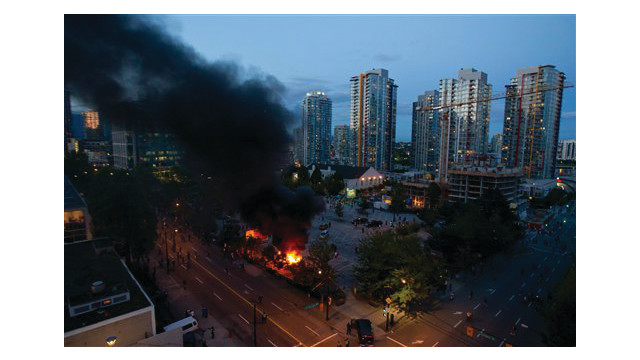 vancouverriotfires.jpg_10462433.psd