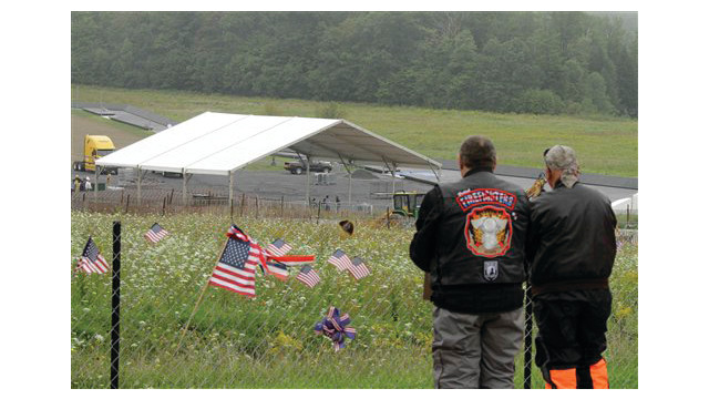 shanksville temporary memorial.jpg_10461319.psd