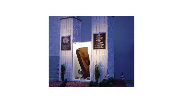 Hummels-Wharf,-PA--911-memorial.jpg_10603225.jpg