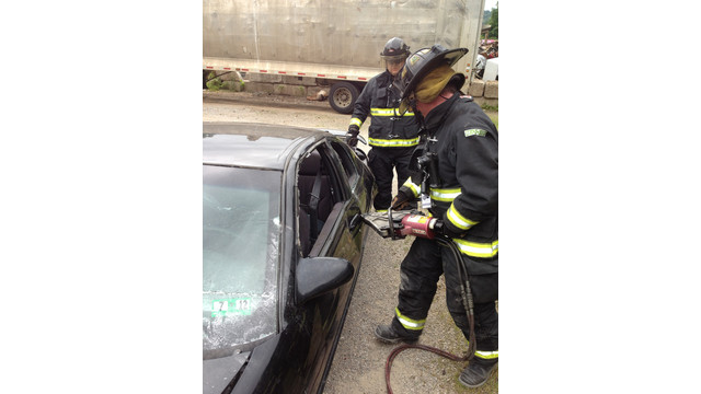 Firefighter-Training-Vehicle-Extrication.JPG