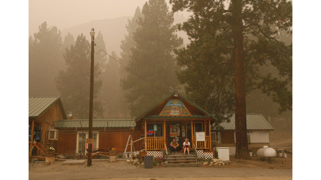 Feathersville Cafe Surrounded by Smoke From Idaho Fire.jpg_10761243.jpg