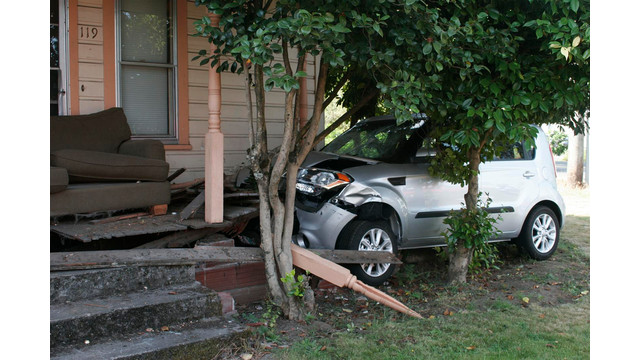 Oregon-Car-Crashes-Canby-House-2.JPG