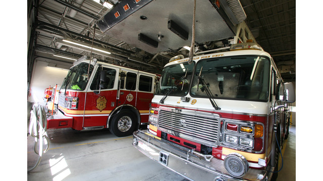 -Indianapolis-Fire-Station-19-Apparatus-Floor.jpg