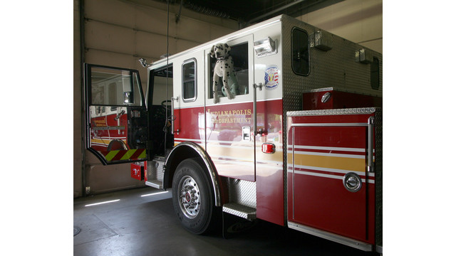 -Indianapolis-Fire-Station-7-Apparatus-Floor.jpg