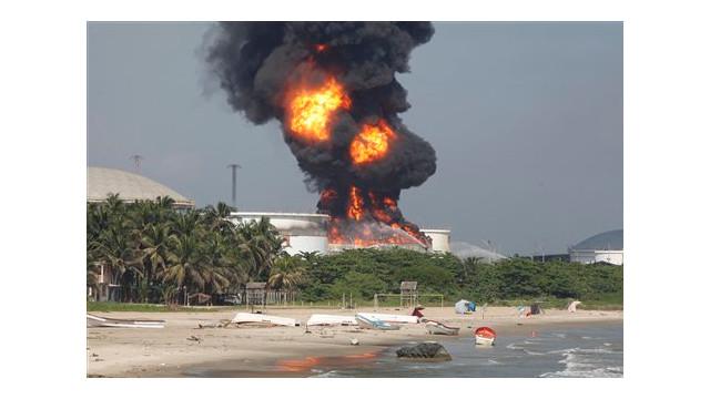 VenezuelaRefineryFire2.jpg