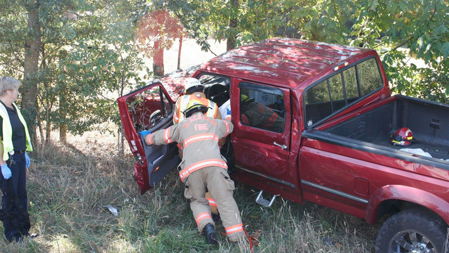 Canby-Crash-Vehicle-Extrication-Fire-house-4.JPG