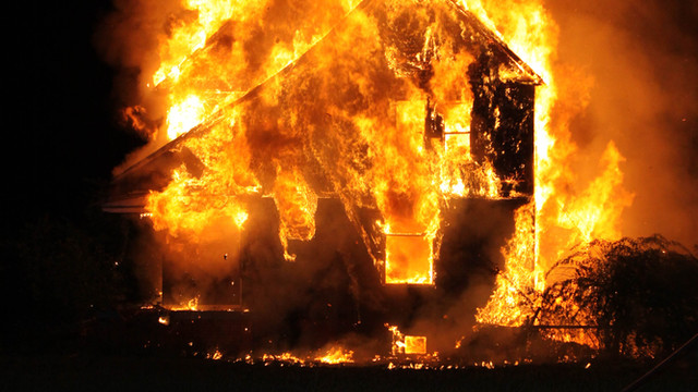 Detroit-House-Fire-Fully-Involved-1.png