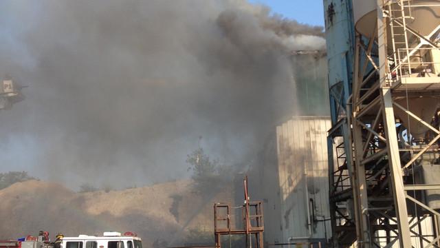 Fall-River-Mass-Cement-Plant-Fire-5.JPG